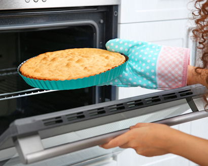 Preparing Your Oven When Baking a Cake